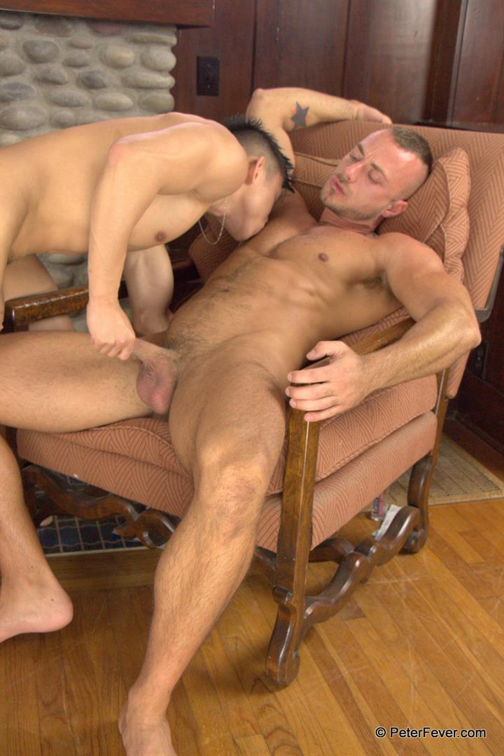 Peter-Fever-The-Asiancy-Peter-Lee-and-Jessie-Colter-Big-Cock-Asian-Guy-Fucking-White-Muscle-Guy-Amateur-Gay-Porn-09 Big Asian Cock Stud Fucks A White Muscle Guy In His Bubble Butt