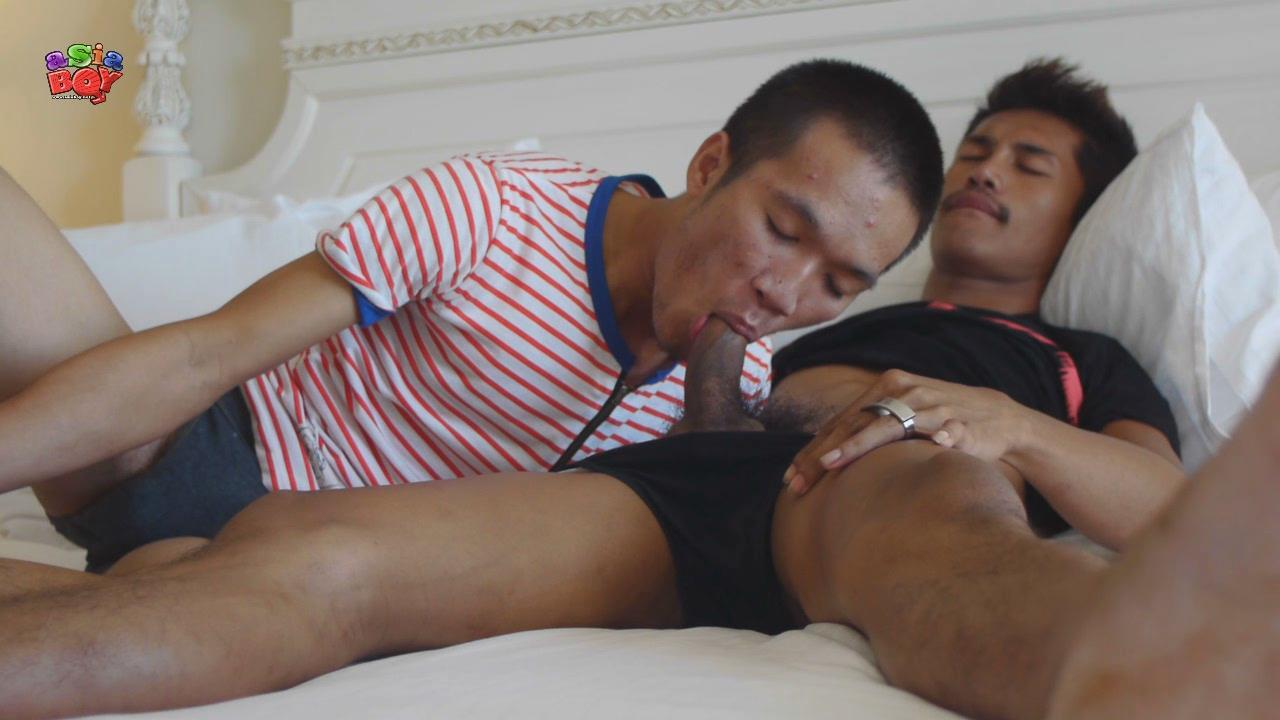 Asia-Boy-Naughty-Bedroom-Fun-Big-Asian-Cocks-Bareback-Amateur-Gay-Porn-01.jpg